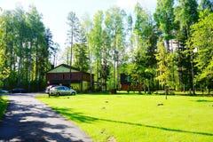 Casa e natureza no distrito de Panevezys perto da vila de Karsakiskis Foto de Stock