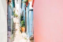 A casa e a rua coloridas em Gamcheon cultivam a vila em Busan, Coreia fotos de stock