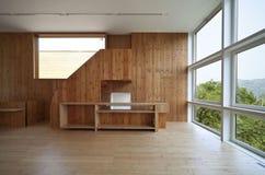 Casa ecológica bonita fotografia de stock