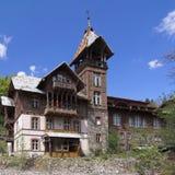 Casa em montanhas Fotografia de Stock Royalty Free