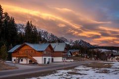 Casa en área de montaña Imagenes de archivo