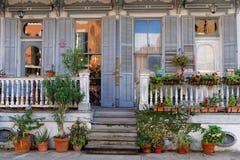 Casa en el barrio francés de New Orleans fotografía de archivo