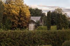 Casa en el bosque Fotos de archivo libres de regalías