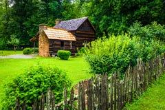 Casa en el museo de la granja de la montaña en el valle de Oconaluftee, adentro imagen de archivo libre de regalías
