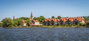 Casa en el paisaje Polonia del lago Imagen de archivo libre de regalías
