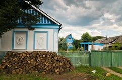 Casa en el pueblo Imagenes de archivo