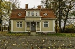 Casa en el pueblo finlandia Imagen de archivo