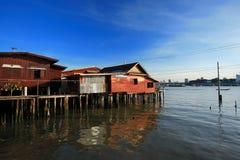 Casa en el río Tailandia Imagen de archivo libre de regalías