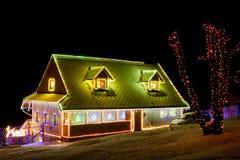 Casa en el tiempo de la Navidad Imagen de archivo libre de regalías