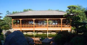 Casa en jardín del zen Fotos de archivo libres de regalías