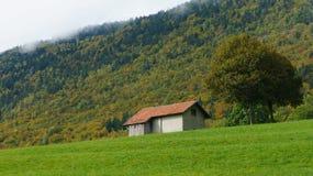 Casa en la ladera en Europa Fotografía de archivo