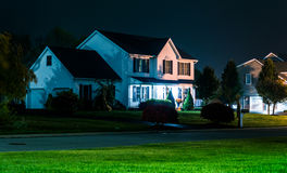 Casa en la noche, en Shrewsbury, Pennsylvania Foto de archivo