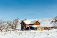 Casa en la pradera Foto de archivo libre de regalías