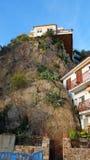 Casa en la roca Imagenes de archivo