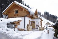 Casa en las montan@as Foto de archivo