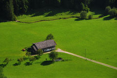 Casa en naturaleza Fotos de archivo