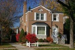 Casa en otoño Imagenes de archivo