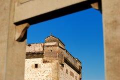 Casa en un estilo del castillo Fotos de archivo
