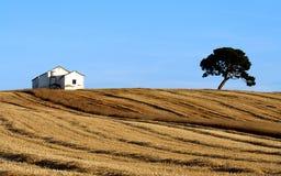 Casa en una colina española fotografía de archivo