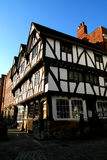 Casa enmarcada de la madera de Tudor. Fotografía de archivo