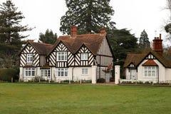 Casa enmarcada y casa de campo de la madera Imagen de archivo