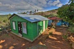 Casa entre montanhas Fotografia de Stock