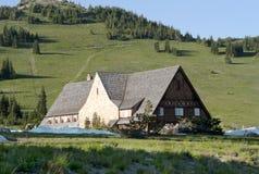 Casa escénica ideal en las montañas Foto de archivo