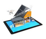 Casa esperta em um PC da tabuleta isolado no fundo branco Fotografia de Stock Royalty Free