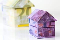 Casa euro de los billetes de banco Fotos de archivo libres de regalías