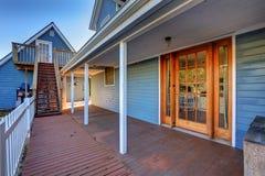Casa exterior com encanto noroeste clássico imagem de stock