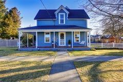 Casa exterior com encanto noroeste clássico fotos de stock