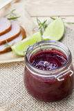 A casa fez o confiture orgânico do doce de cereja, a carne fumado e o cal Fotos de Stock Royalty Free