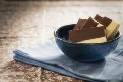 A casa fez o duo das barras de chocolate foto de stock