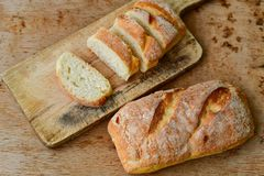 A casa fez o pão italiano do ciabatta, imagens de stock