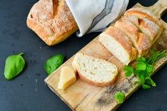 A casa fez o pão italiano do ciabatta, imagens de stock royalty free