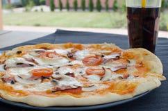A casa fez a pizza com soda Imagem de Stock