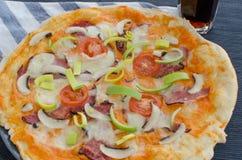 A casa fez a pizza com soda Imagem de Stock Royalty Free