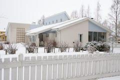 Casa finlandesa de madeira imagens de stock