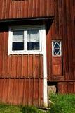 Casa finlandesa de madeira vermelha Fotografia de Stock Royalty Free