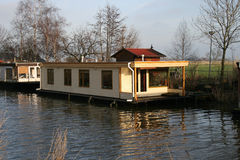 Casa flotante Imagenes de archivo