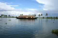 Casa flotante Fotografía de archivo libre de regalías