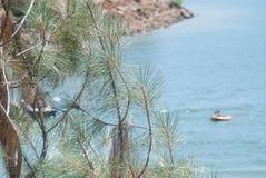 Casa flutuante no lago Imagem de Stock Royalty Free
