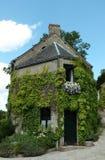 Casa francesa del pueblo Imagenes de archivo