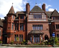 Casa gótico do inglês do estilo fotografia de stock royalty free