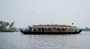 Casa galleggiante negli stagni del Kerala Fotografie Stock Libere da Diritti