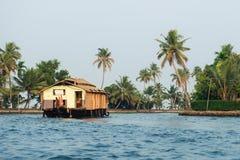 Casa galleggiante negli stagni di Alleppey Fotografie Stock