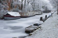Casa galleggiante nell'inverno Immagini Stock Libere da Diritti