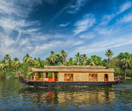 Casa galleggiante sugli stagni del Kerala, India Fotografia Stock Libera da Diritti