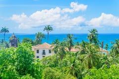 Casa grande en selva costera Fotos de archivo