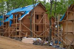 Casa grande feita da madeira sob a construção Imagem de Stock